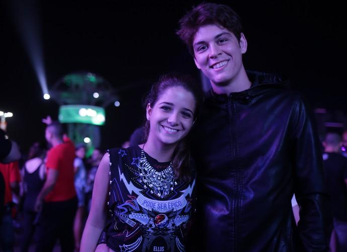 João Vithor Oliveira e a namorada (Foto: Chico Couto / Gshow)