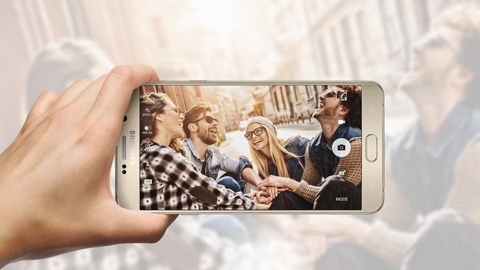 Galaxy Note 5 traz uma câmera frontal com 5 megapixels (Foto: Divulgação/Samsung)