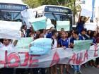 Estudantes protestam contra PEC do teto dos gastos no Centro do Recife