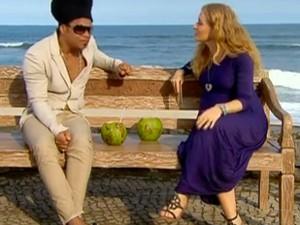 Carlinhos Brown conversa com Angelica (Foto: Tv Globo)