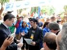Grupo separatista faz cavalgada em Porto Alegre e entrega manifesto