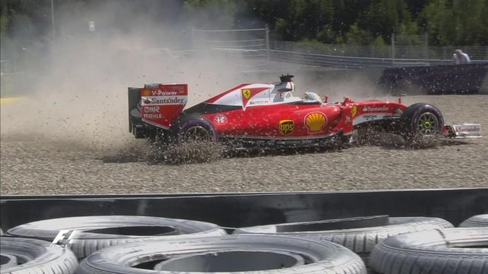 Sebastian Vettel escapou na brita durante 2º treino livre para GP da Áustria (Foto: Divulgação)