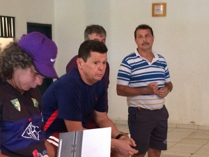 Gilmar Sales e Edson Izidório na apresentação do Atlético-AC (Foto: Diego Torres)