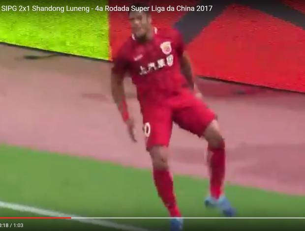 """BLOG: Hulk marca mais um na China e comemora """"sarrando no ar""""; assista"""