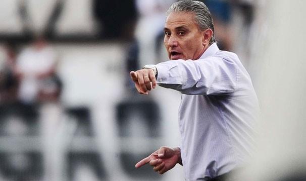 Tite prepara o Corinthians para mais uma etapa da Libertadores (Foto: Marcos Ribolli/Globoesporte.com)