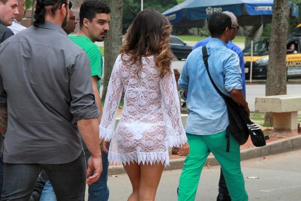 Paula Fernandes grava com Angelica de biquíni (Foto: J C PEREIRA / AgNews)
