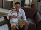 Ceará posa com a filha, Valentina: 'Minha pequena princesa'