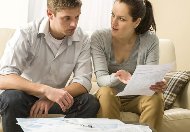 Finanças-traição-casal-problemas financeiros-contas-conta-finança pessoal (Foto: Thinkstock)