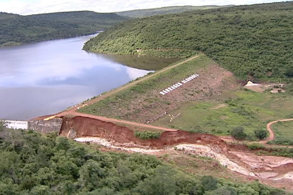 Imagem mostra a Barragem Algodões dias antes de romper, no Piauí  (Foto: Magno Bonfin/TV Clube)