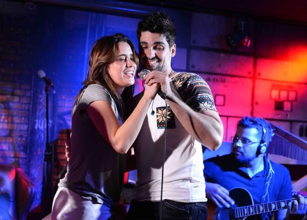 Fernanda Vasconcellos e Bruno Bonatto  (Foto: Ari Kaye)