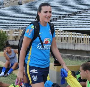 Andreia, goleira Tiradentes-PI (Foto: Emanuele Madeira/GloboEsporte.com)