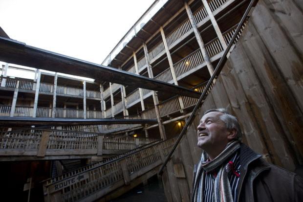 Huibers conseguiu autorização para receber até 3 mil visitantes por dia. (Foto: Peter Dejong/AP)