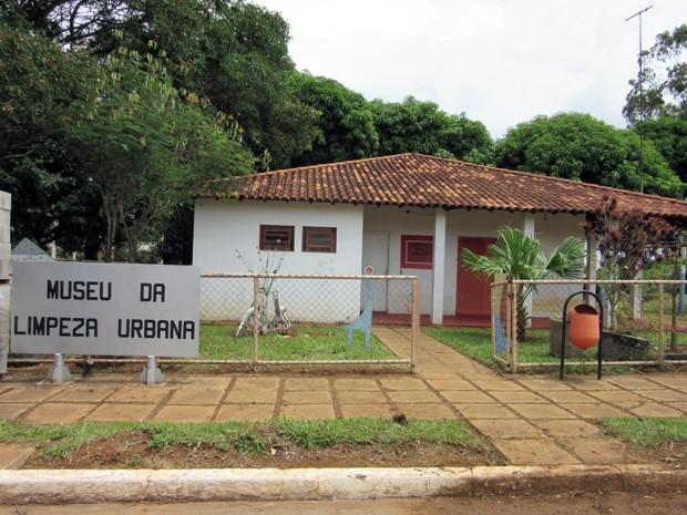 Museu da Limpeza Urbana, dentro do complexo do SLU em Ceilândia, no Distrito Federal (Foto: Luciana Amaral/G1)