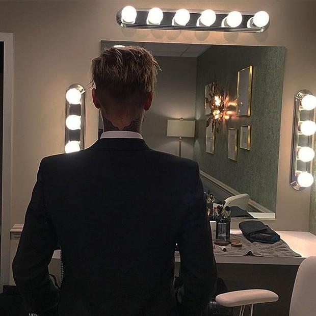 Justin Bieber exibe nova tatuagem no pescoço (Foto: Instagram/ Reprodução)