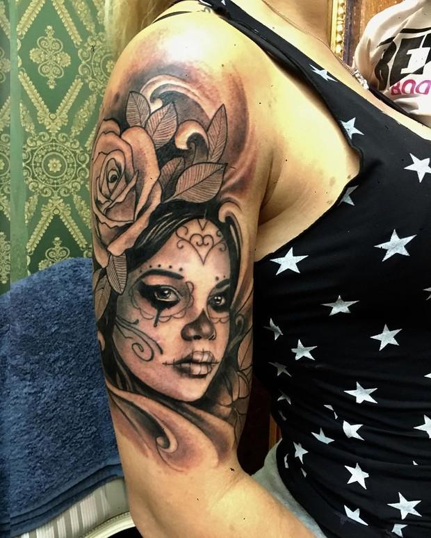 Detalhe da tatuagem de Dani Souza (Foto: Reprodução/Instagram)