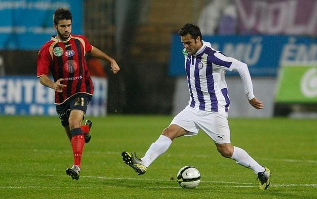 Pelo Újpest, Bruno Moraes anotou seis gols em onze partidas (Foto: Reprodução / Site oficial Bruno Moraes)