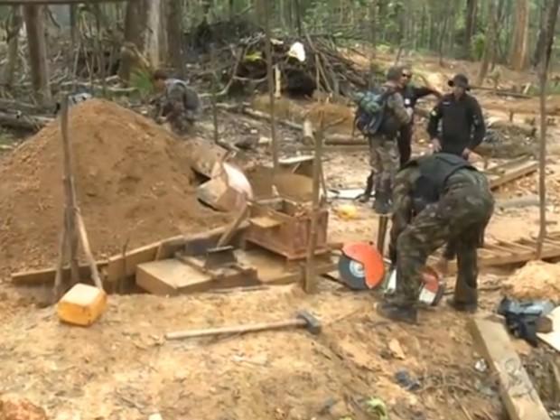 Militares franceses fiscalizaram garimpo na Guiana (Foto: Reprodução/TV Amapá)