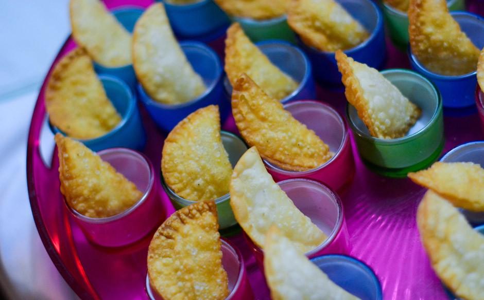 decoracao festa neon:Festa infantil com o tema de discoteca néon no 'Fazendo a Festa
