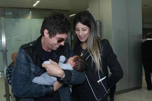 Hudson com a família (Foto: Thiago Duran / AgNews)