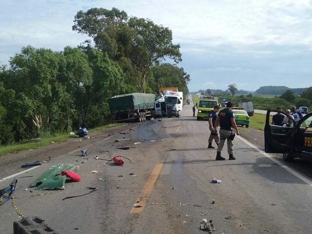 Quatro pessoas morreram em acidente na BR-116 (Foto: Ecosul/Divulgação)