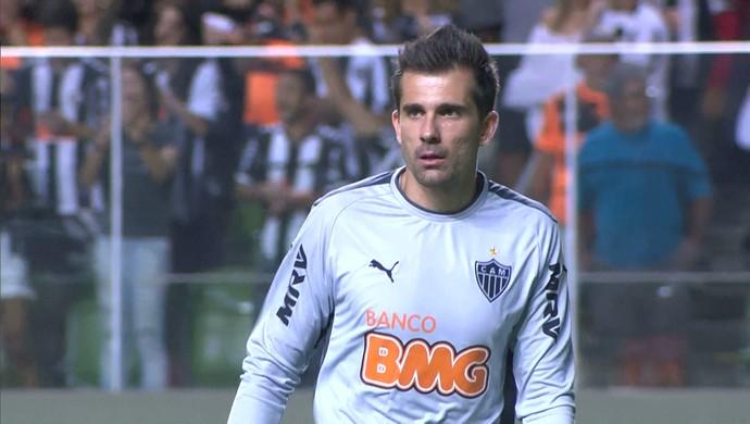 Goleiro Victor em ação no jogo Atlético-MG e Palmeiras pela Copa do Brasil (Foto: Reprodução/Sportv)