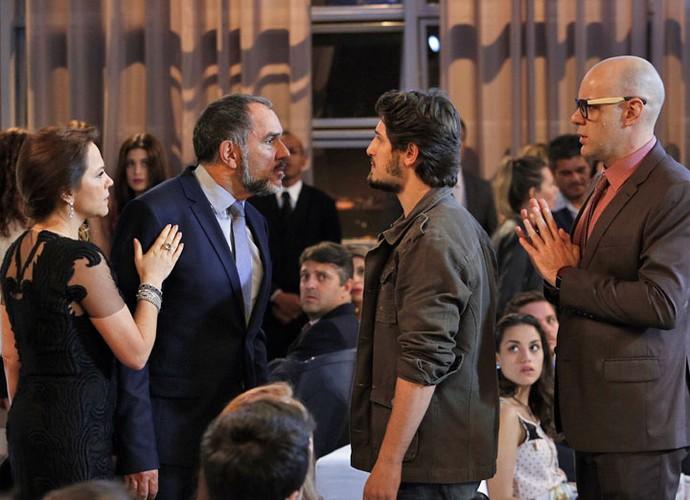 Bafão! Germano briga com Rafael em festa (Foto: Raphael Dias/Gshow)