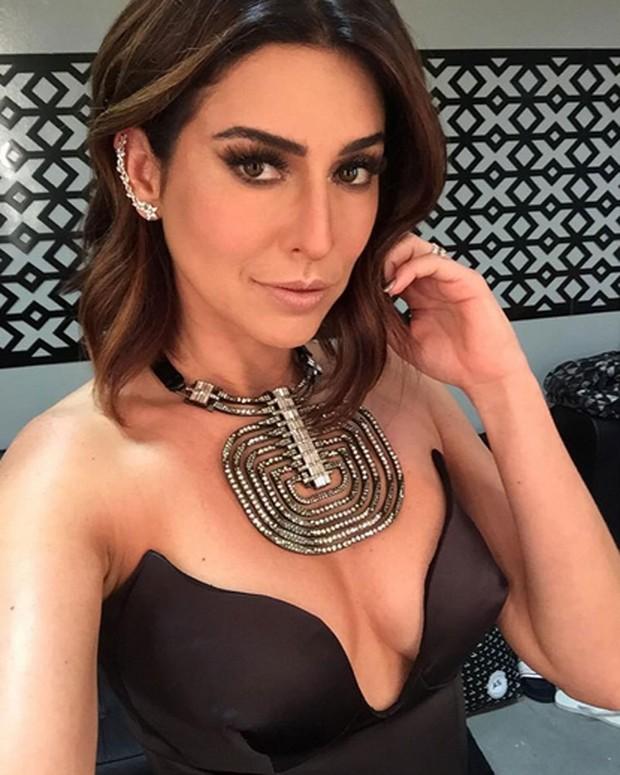 Fernanda Paes Leme posa decotada para selfie (Foto: Instagram/ Reprodução)