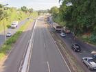 Marginal da BR-365 em Uberlândia é sinalizada e tem congestionamento