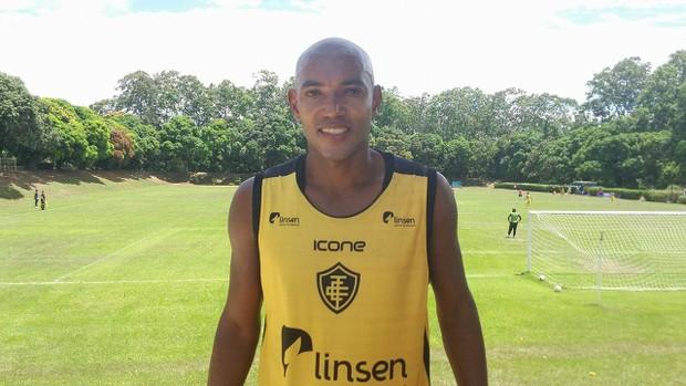 Luiz Alberto, zagueiro do Tupy-ES