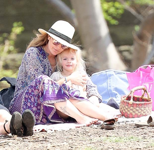 Drew Barrymore e Frankie (Foto: Grosby Group)