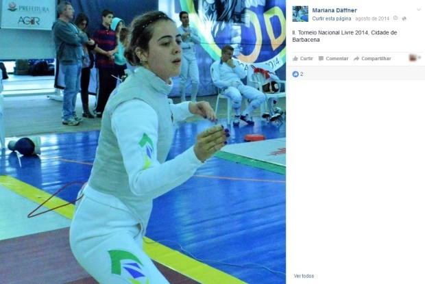 Mariana Daffner é bicampeã sul-americana de esgrima (Foto: Reprodução/Facebook)