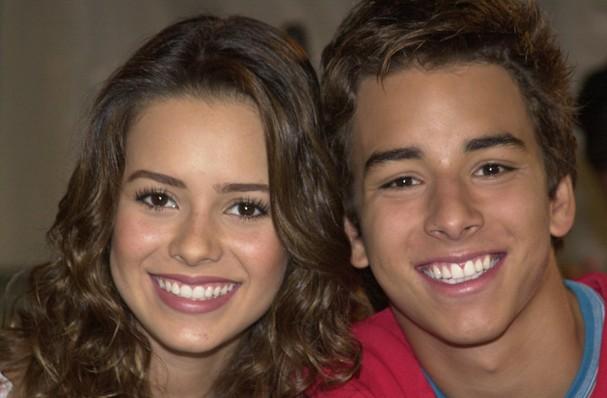 Os irmãos Sandy Leah e Junior Lima, no seriado Sandy & Junior, transmitido na TV Globo de 1999 a 2002 (Foto: TV Globo/João Miguel Júnior)