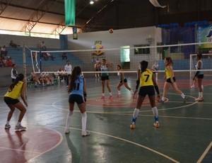 Meninas de Cacoal vencem na final do voleibol do JIR (Foto: Renato Barros/Arquivo Pessoal)