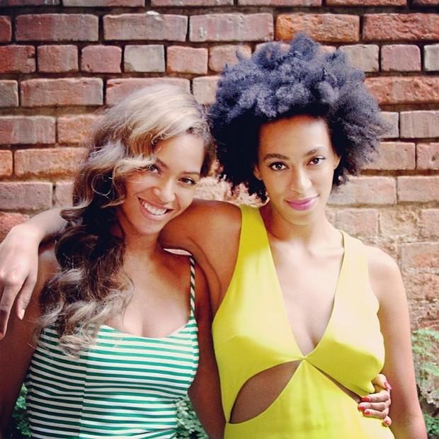 Beyoncé e Solange (Foto: Reprodução/Instagram)