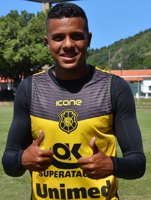 Saulo, zagueiro do Rio Branco-ES (Foto: Sidney Magno Novo/GloboEsporte.com)