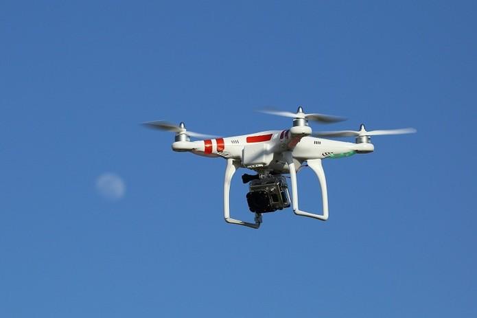 Equipamento em drone pode captar informações sigilosas de 20 mil TVs em um raio de 1,4Km (Foto: Flickr/Don McCullough) (Foto: Equipamento em drone pode captar informações sigilosas de 20 mil TVs em um raio de 1,4Km (Foto: Flickr/Don McCullough))