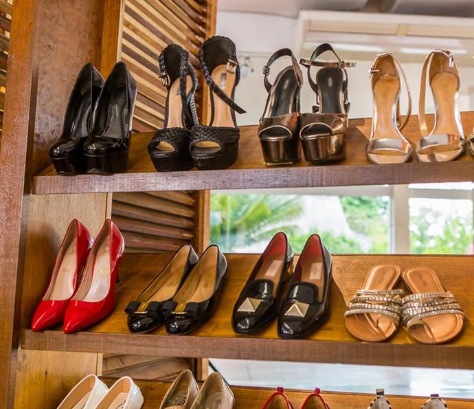 Deborah aposta em sapatos confortáveis (Foto: Artur Meninea/Gshow)