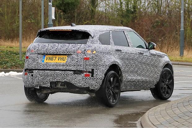 Novo Range Rover Evoque é flagrado em testes (Foto: Automedia)