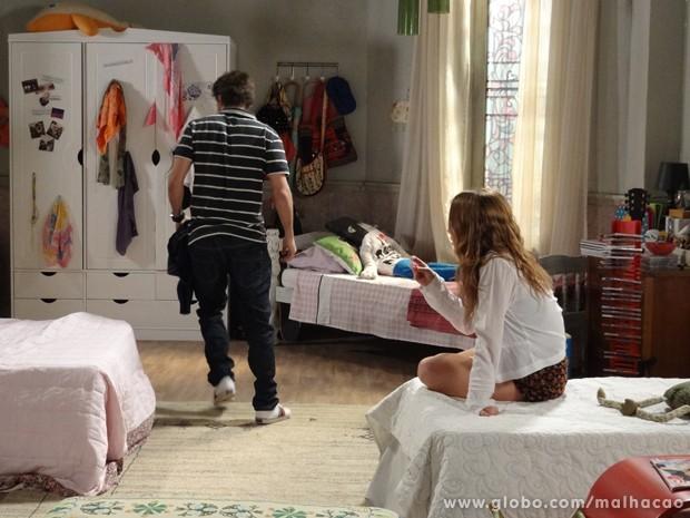 Toco!!! O playboy enfurecido da casa da ex. (Foto: Malhação/ TV Globo)