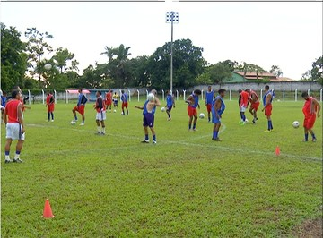 Tocantins treina para partida contra o Colinas neste sábado (11) (Foto: Reprodução/TV Anhanguera)