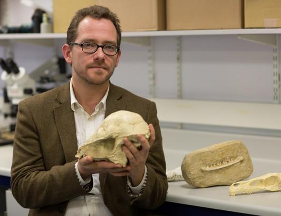 O paleontólogo Nick Longrich (Foto: Divulgação)