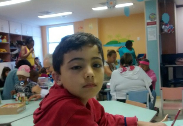 João Pedro, de 6 anos, teve tumor no olho diagnosticado com ajuda de reportagem sobre retinoblastoma (Foto: Viviane Soeiro/Arquivo Pessoal)