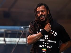 Falcão, vocalista da banda O Rappa, interagiu com o público no Planeta Atlântida (Foto: Jefferson Bernardes/Preview.com, Divulgação)