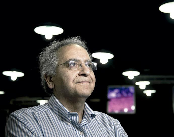 Contraprova: para Vafa, a dificuldade de demonstrar a teoria deve-se a nossa limitação tecnológica (Foto: Leo Martins/ Agência O Globo)