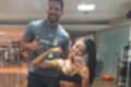 Aline Riscado mostra muque na academia e deixa barriga à mostra (Reprodução/Instagram)