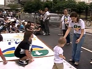 Confecção dos tapetes começa esta madrugada (30) (Foto: Reprodução/ TV Globo)