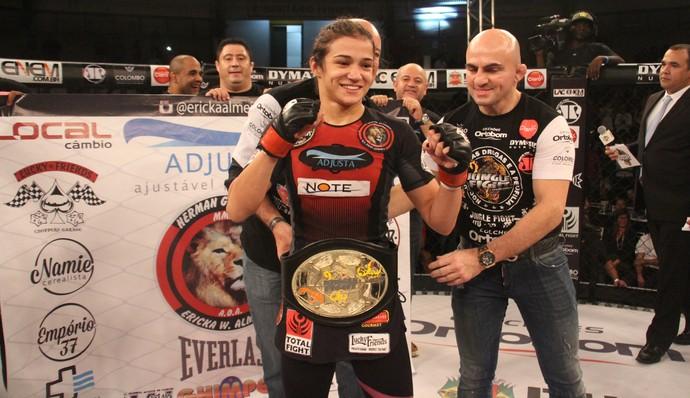 Ericka Almeida Jungle Fight MMA (Foto: Leonardo Fabri/Divulgação)