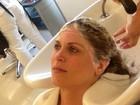 Em dia de beleza, Susana Werner cuida do cabelo