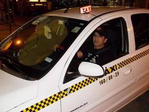 Taxista José diz que o São João de Campina Grande é como se fosse o Natal (Foto: Rafael Melo/G1)