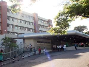 Feridos foram levados para o Hospital Geral do Estado, em Salvador (Foto: Reprodução/TV Bahia)